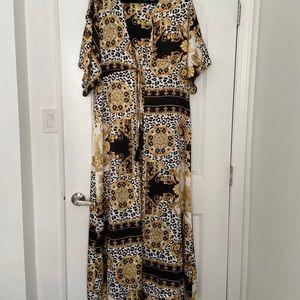NWOT Aakaa Maxi Long kimono, Size M